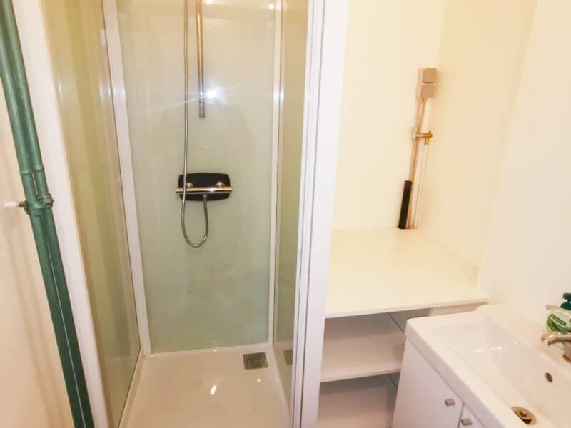 CK Service - Project Antwerpen - badkamer met douche en plaats voor een wasmachine - 2